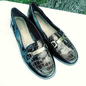 🌟2 FOR $25 Laura Scott Brown. Snake Loafers